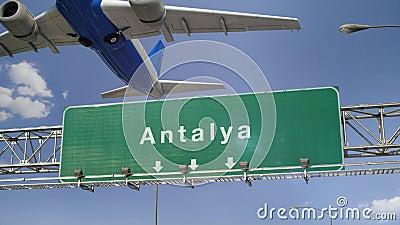 L'aeroplano decolla Adalia stock footage