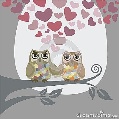 L amour est dans le ciel pour deux hiboux