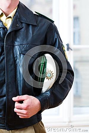 L ufficiale di polizia nella stazione o nel dipartimento è pronto