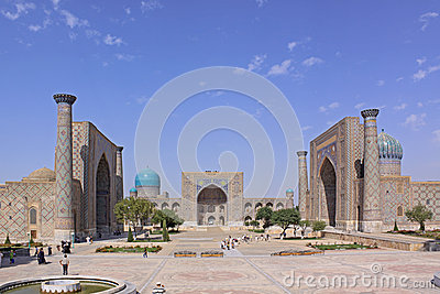 L'Uzbekistan Samarcanda Veiw Ad Ulu Beg E A Tilya-Kori Madrasahs ...