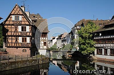 老 房子 在la小的法国地区在史 特拉斯 堡 免版税高清图片