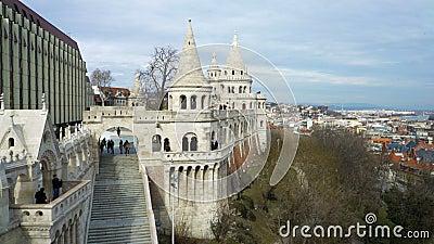 La bastion des pêcheurs sur Buda Hill à Budapest, Hongrie clips vidéos