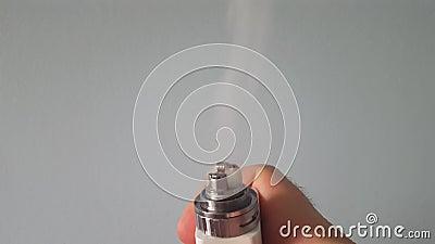 La bobina del MOD di Vape emette luce Su-fine di vaporizzazione rossa di E-Juice/E-Liquid archivi video