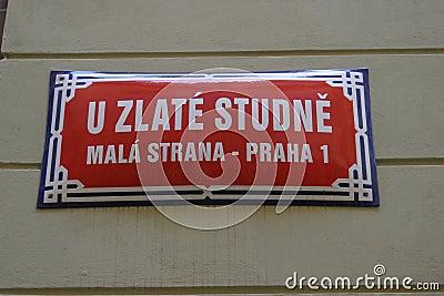 La calle firma adentro Praga