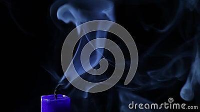 La candela spegne stock footage