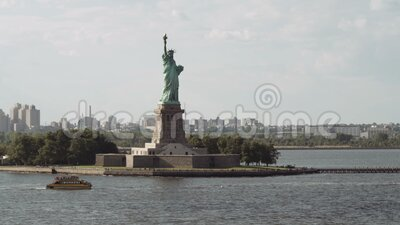 La estatua de la libertad en Nueva York almacen de metraje de vídeo