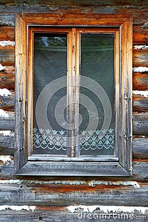 la fen tre ferm e de la vieille maison en bois image libre de droits image 31354346. Black Bedroom Furniture Sets. Home Design Ideas