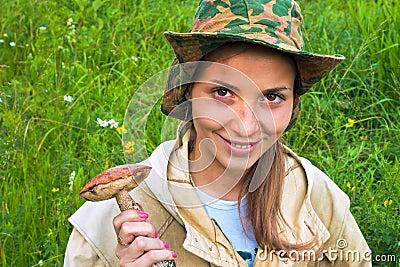 La fille avec le champignon de couche.