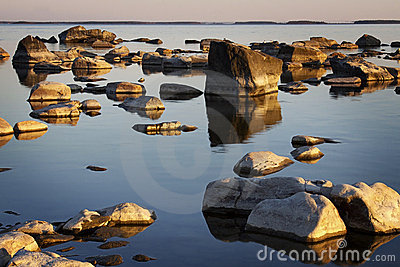 La Finlandia: Litorale roccioso