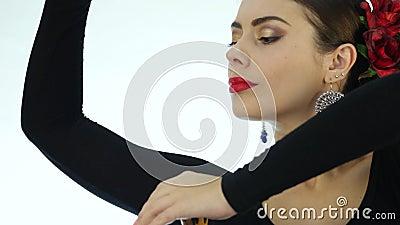 La Jeune Femme Danse La Danse Traditionnelle D Espagnol Danseur De