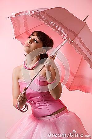 La muchacha con un paraguas