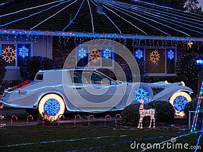 La Navidad adornó la casa y el luxur de Phantom Zimmer