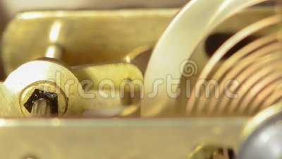La pieza principal del mecanismo de bronce almacen de metraje de vídeo