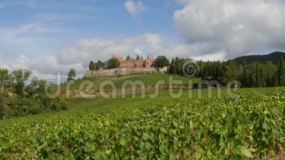 La région du Chianti et le château de Brolio banque de vidéos