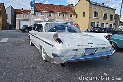 La reunión del coche de la adentro halden (el desoto 1960)