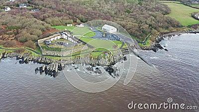 La stazione Life - Boat si trova a nord della città di Buncrana nella contea di Donegal - Repubblica d'Irlanda video d archivio