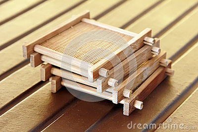 La tazza di tè materiale di bambù si siede