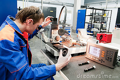 Laborer checking tool with optical