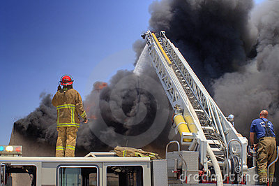 Ladder Truck puts out fire