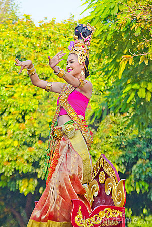 Lady Dance at Chiangmai Flower Festival 36th. Editorial Image