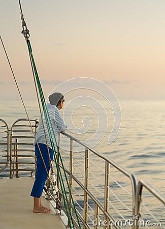 Free Lady On Sunset Cruise Kauai Royalty Free Stock Photography - 37889557