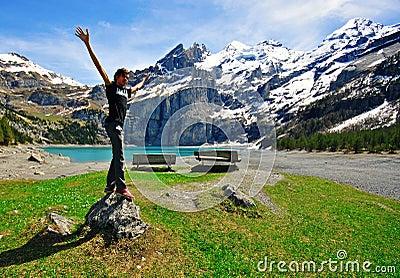 Lago alpino Oeshinensee