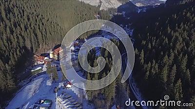 Lago rosso nell'inverno video d archivio