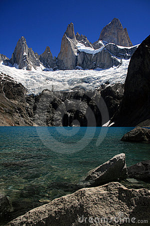 Lago Sucia and Mount Fitz Roy, Argentina