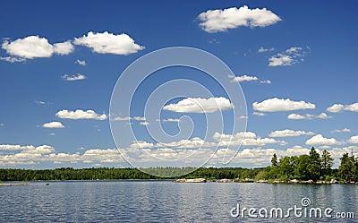 Lago swedish del verano