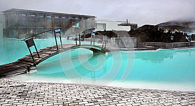 Lagoa azul em Islândia