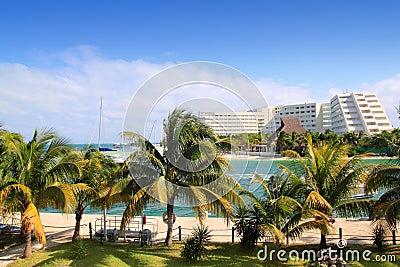 Lagune de Cancun Mexique et mer des Caraïbes