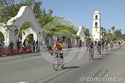 Laienhafte Mann-Radfahrer Redaktionelles Stockbild