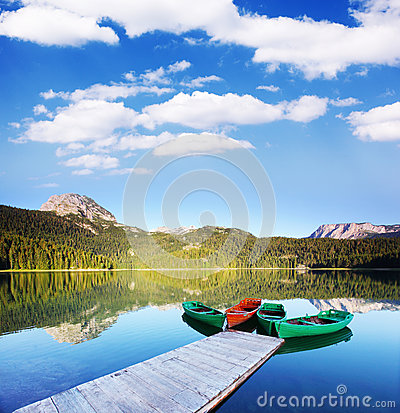Free Lake Royalty Free Stock Photography - 30149777