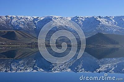 Lake Dunstan reflections