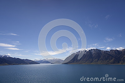 Lake Hawea New Zealand Stock Image - Image: 28714331