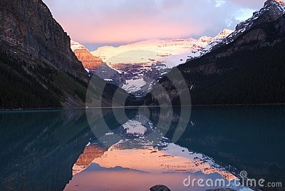Lake louise at sunrise