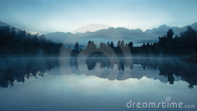 Lake matheson at dawn