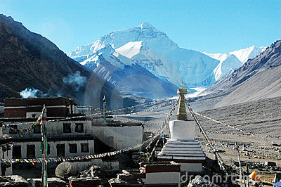 The Lama temple and Everest