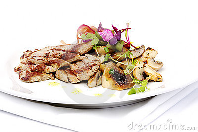 Lamb filet mignon with onions and mushrooms