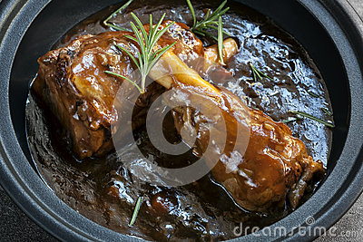 Lamb Shanks in Gravy