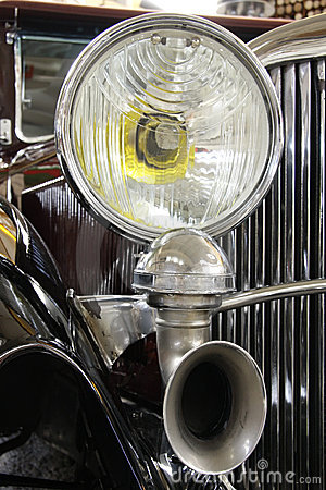 Lamp and horn