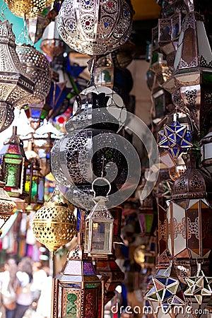Lampade Marocchine Delle Lanterne Del Metallo E Di Vetro Fotografie Stock - Immagine: 19447693