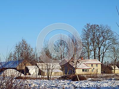 Landbouwbedrijf in de winter