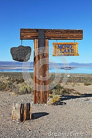 The landmark Mono Lake