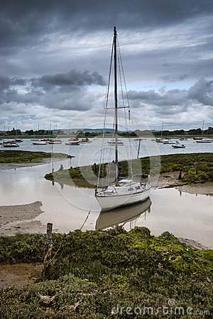 Free Landscape Of Moody Evening Sky Over Low Tide Marine Royalty Free Stock Image - 41002556