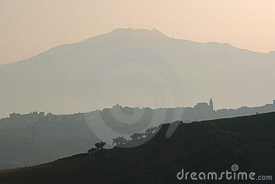 Landscape for volcano Etna at daybreak
