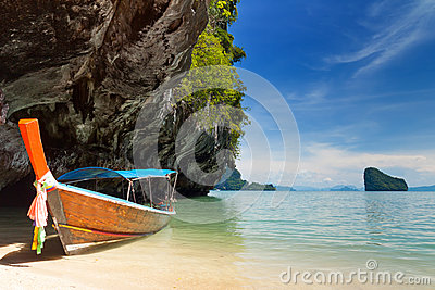 Lange boot in Thailand