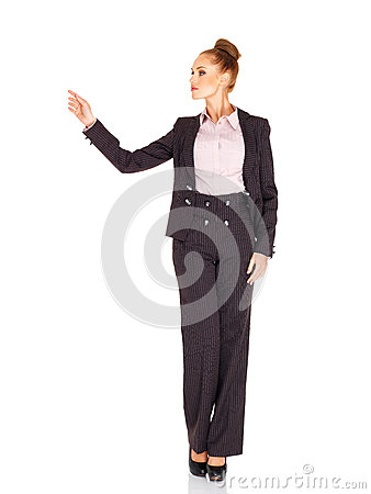 Lange elegante vrouw die haar vinger richten