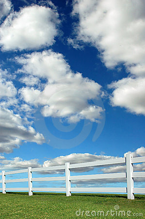 Free Lanscape With Fence Royalty Free Stock Images - 3336619