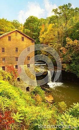Free Lantermans Mill Youngstown Ohio During Autumn Royalty Free Stock Photos - 84234788